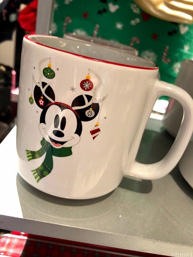 このマグカップのミッキー可愛らしいですね。トナカイではなく、ミッキーです。たぶん。(笑)$13.99