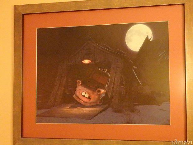 部屋にはメーターの絵が。