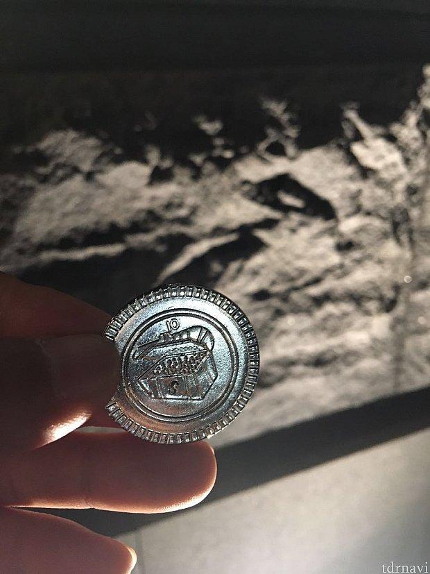 銀のコイン!?