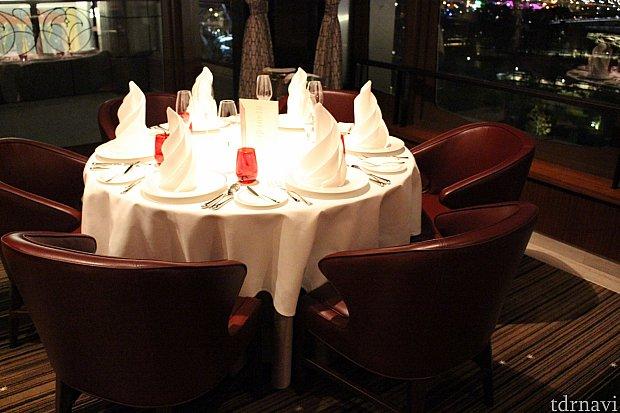 テーブルセットも素敵です☆