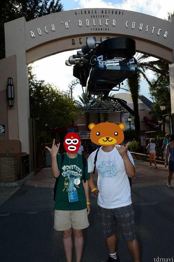 カメラマンがいて撮ってくれました!「ロッケンロール!」って言われたのに、旦那はアロハポーズにw