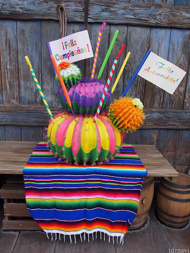 ミゲル近くのバースデーケーキ!メキシコっぽいです。