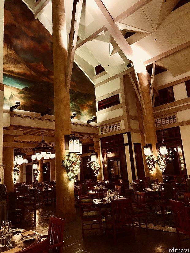 色々珍しい食材が楽しめる高級レストラン、「Artist Point」のレポートは如何だったでしょうか。ジャスジャスさんご家族も僕の友達もみんな大満足だったこちらのレストラン。マジックキングダムからもアクセス抜群ですので、是非お試しいただきたいお勧めレストランです。