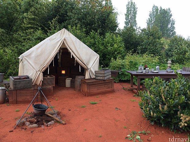 ジョーンズ博士のキャンプ地。