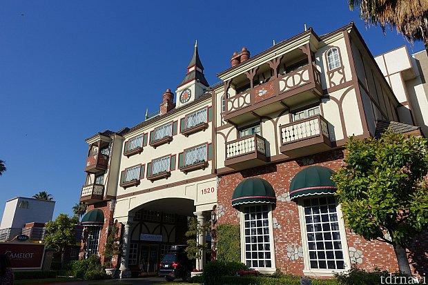ディズニーランドそばの宿泊ホテル(キャメロットイン)に到着。
