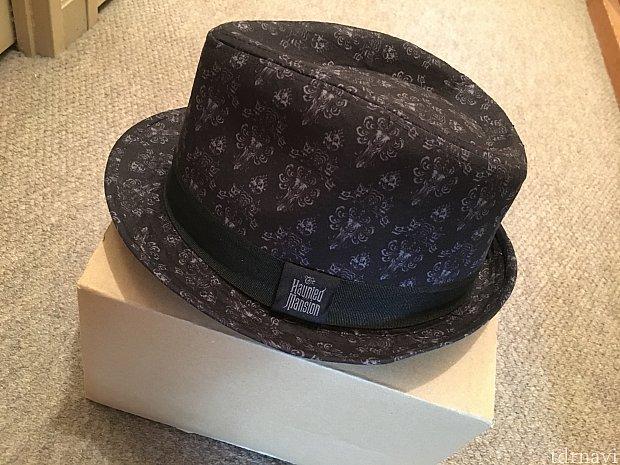 マジックキングダムで購入したこの帽子を忘れちゃいました💦この箱に入って戻ってきました‼️