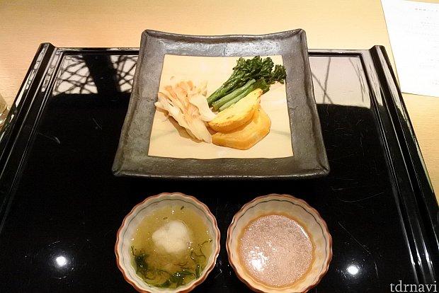焼き野菜(舞茸、サツマイモ、ブロッコリー)おろしポン酢とおろし味噌のソースで。