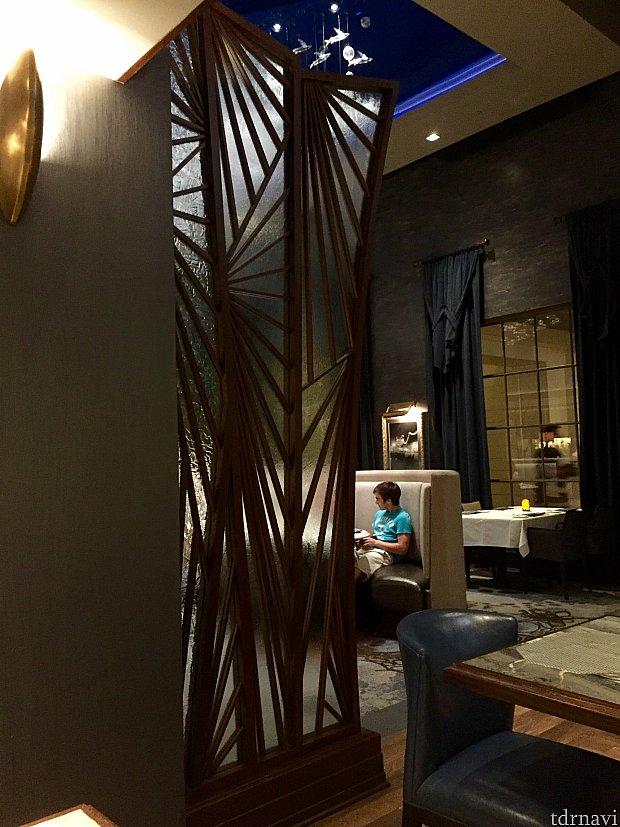 フライングフィッシュとはトビウオの事です。レストランの随所にトビウオのモチーフが。