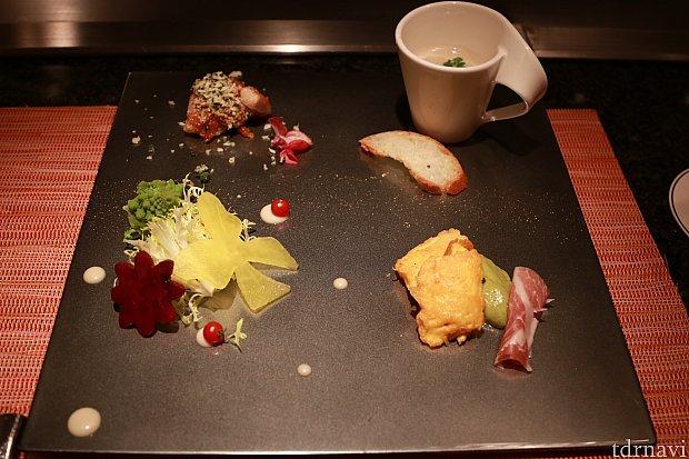 前菜、左下リボンは大根、雪の結晶はビーツです