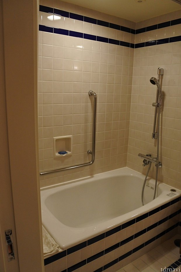 お風呂は低めになってます!