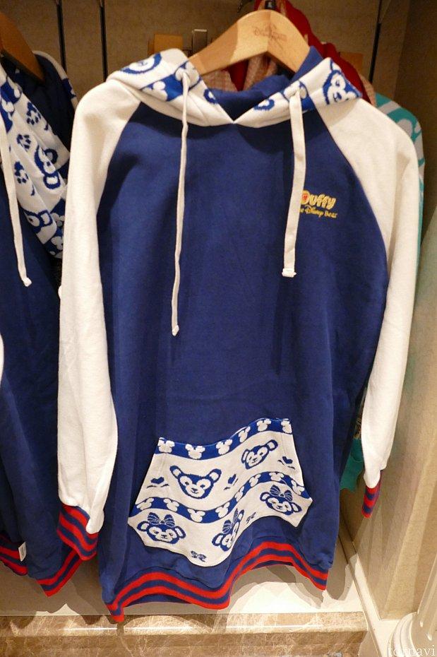 大人用のお洋服はトレーナーワンピが結構たくさんありました!ポッケが可愛い!