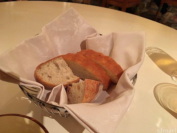 パンはお代わりできますただ冷めてました😢