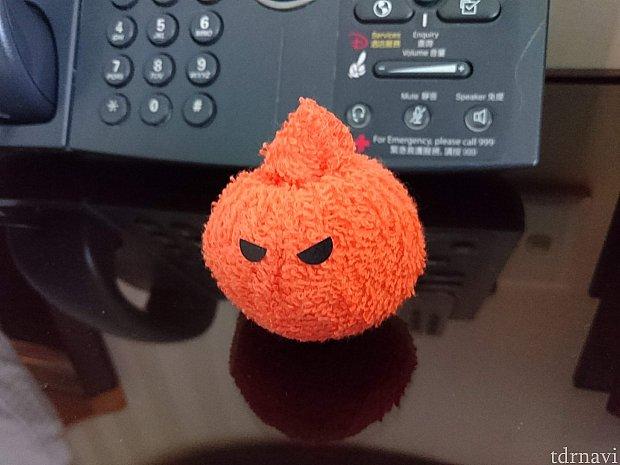 ハロウィン時期だったので、かぼちゃの置物が。 別の日には、タオルで作った鳥さんがいました。