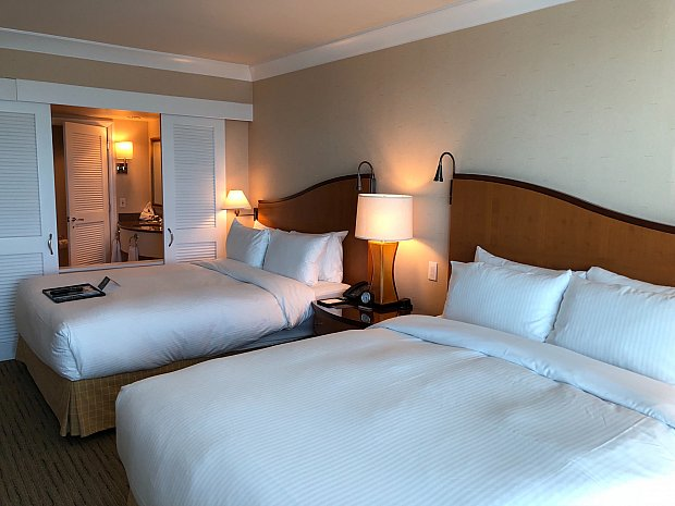 フェアモントホテルバンクーバーエアポートの部屋。さすがフェアモント。広くてきれいで快適でした!!
