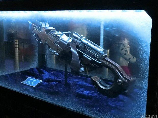 ロケットの銃までコレクションにされちゃってます!