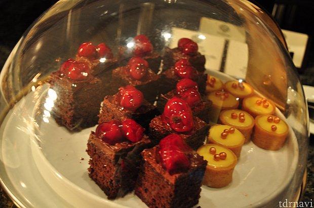 あまーーいチョコレートケーキ。このチョコレートケーキは相当甘いのでご注意下さい。
