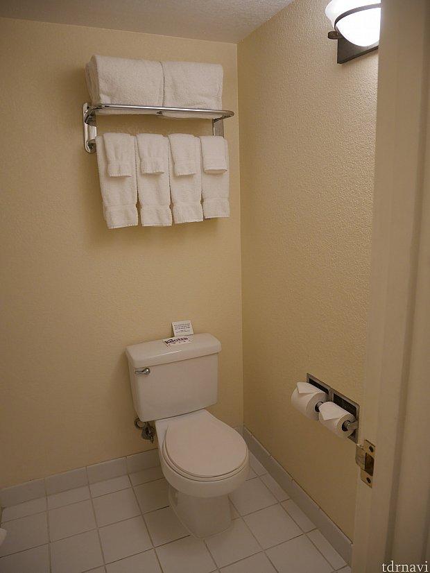 トイレとお風呂場は一緒です。