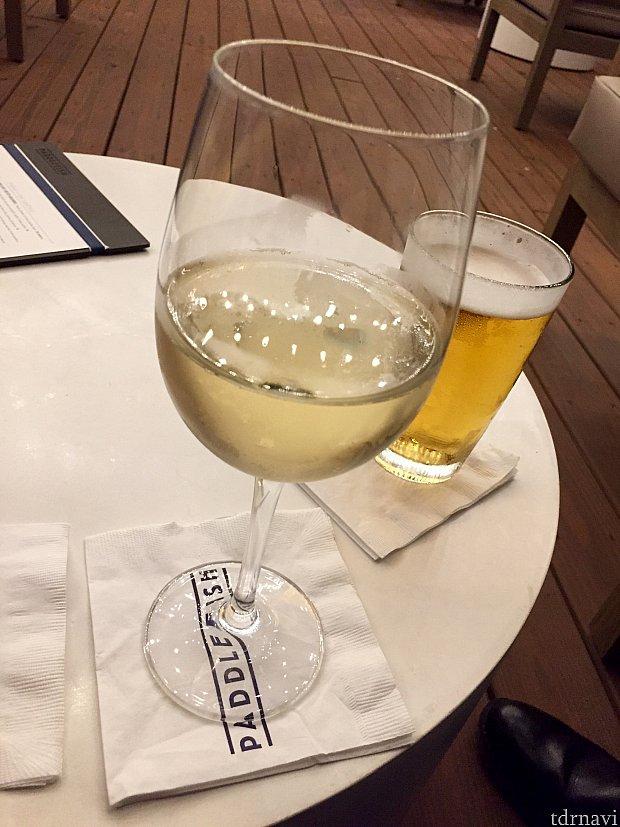 Mascatoと言うとても甘く飲みやすい白ワイン。