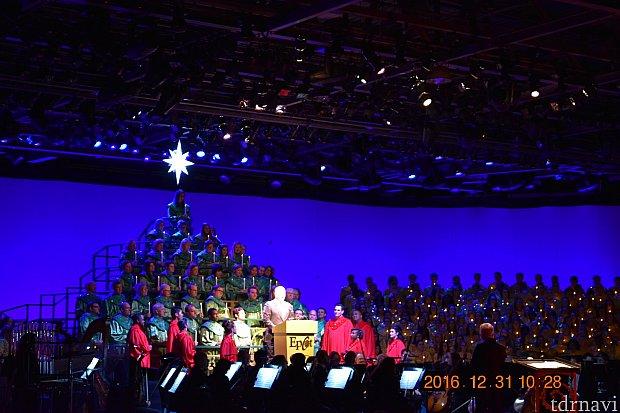 聖歌隊とオーケストラ演奏は贅沢なクリスマスコンサートを堪能出来ます(^o^)