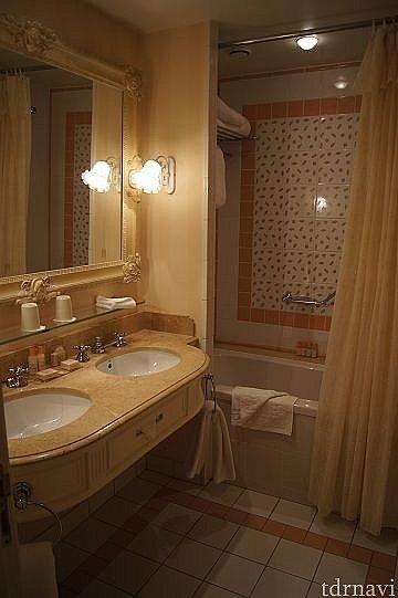 洗面所と風呂