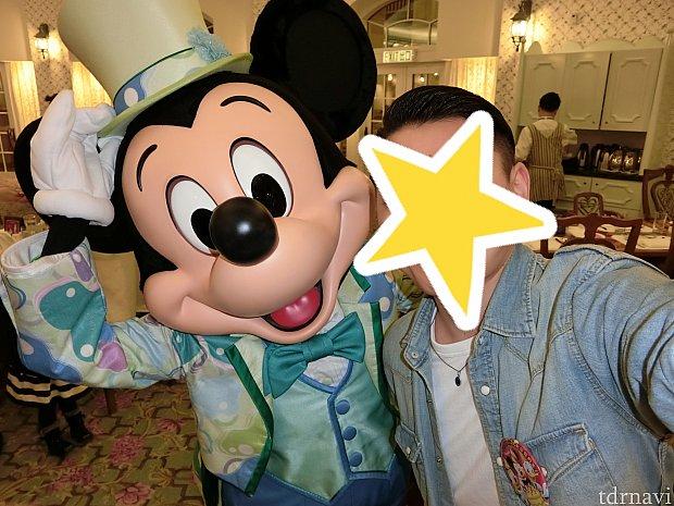 ミッキーから彼にセルフィーのリクエスト!!このポーズかっこいいーー!!!