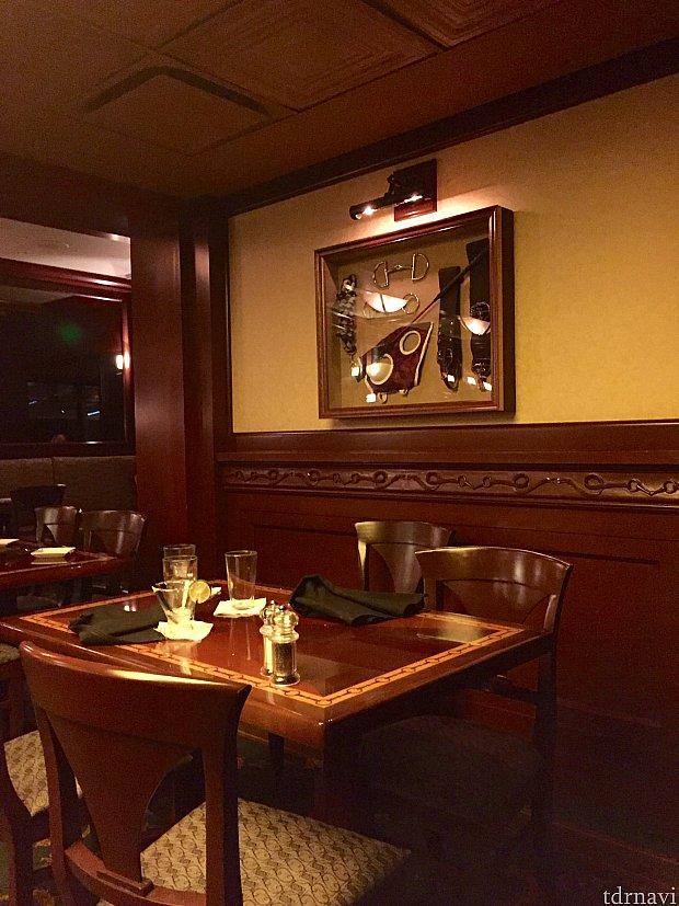 ホテル自体のテーマが乗馬の街なので、レストランもそのエリアに相応しい雰囲気とテーマです。