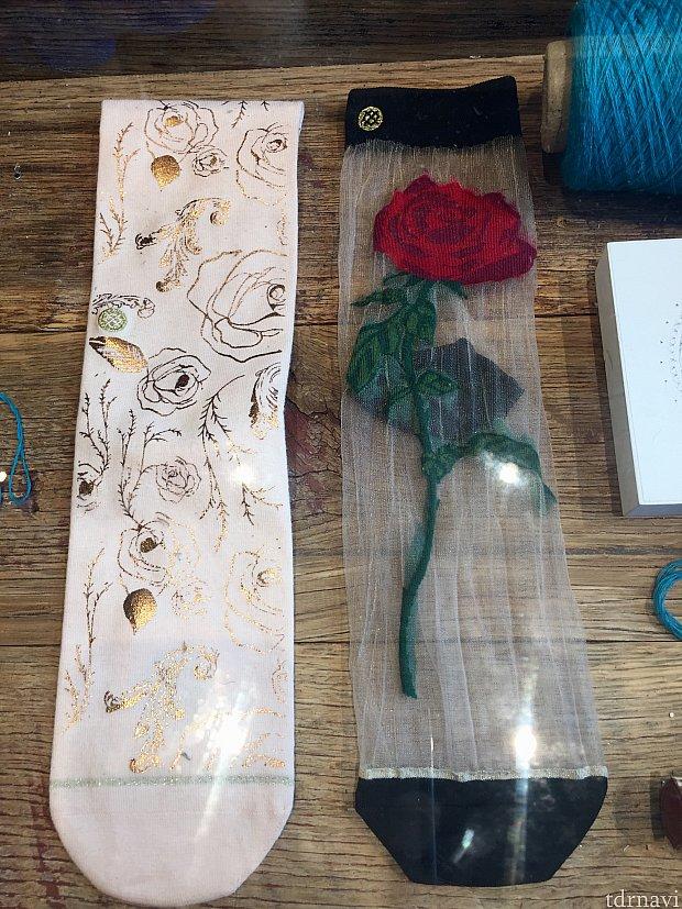 右側のバラも靴下です。