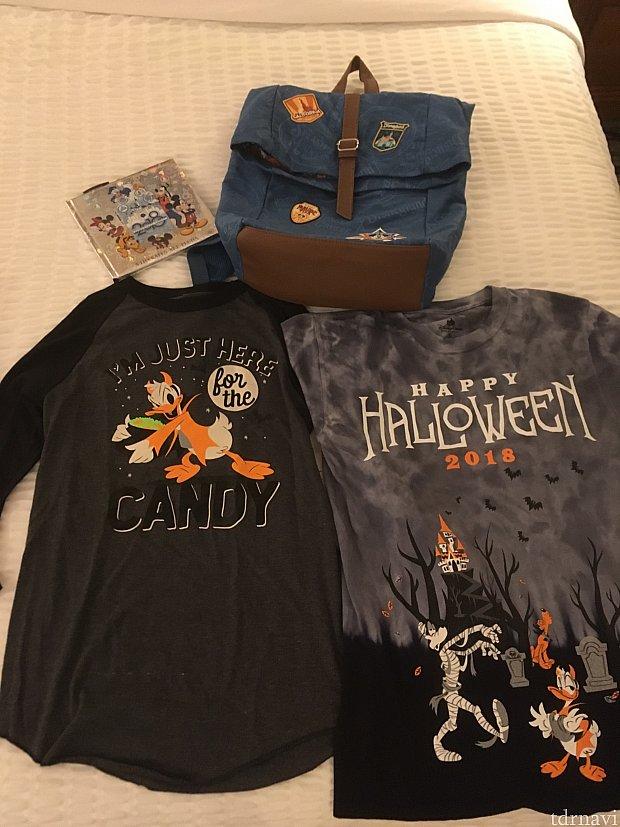[左上]たくさんグリーティングしたかったのでサイン帳。写真も入れられます! [右上]リュックは一目惚れ。 [下]ハロウィンのシャツ!ドナルドのグリーティングに着て行ったら喜んでくれました。