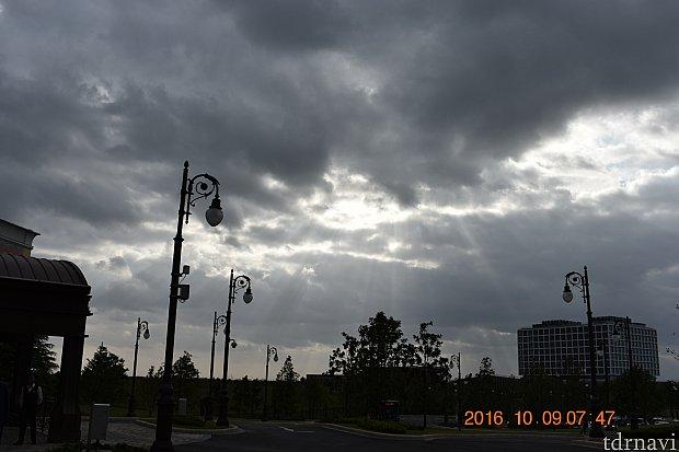 ホテルからバス停で見た御来光未来がワクワクします①
