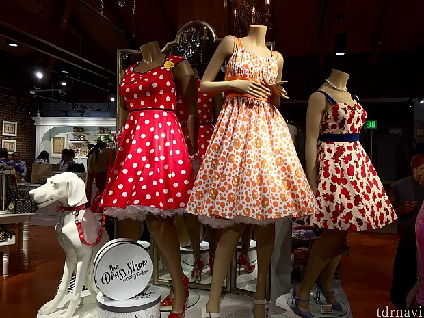 その名もThe Dress Shop