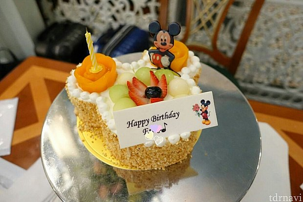 バースデーケーキ!happybirthday○○って入れてください!と自分で頼みました😜