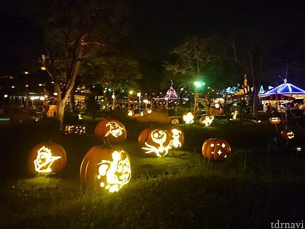 かぼちゃに沢山のヴィランズの顔が!