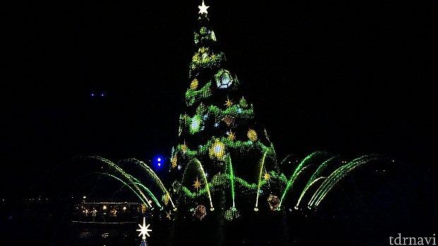 最初の飾りは、緑と黄色