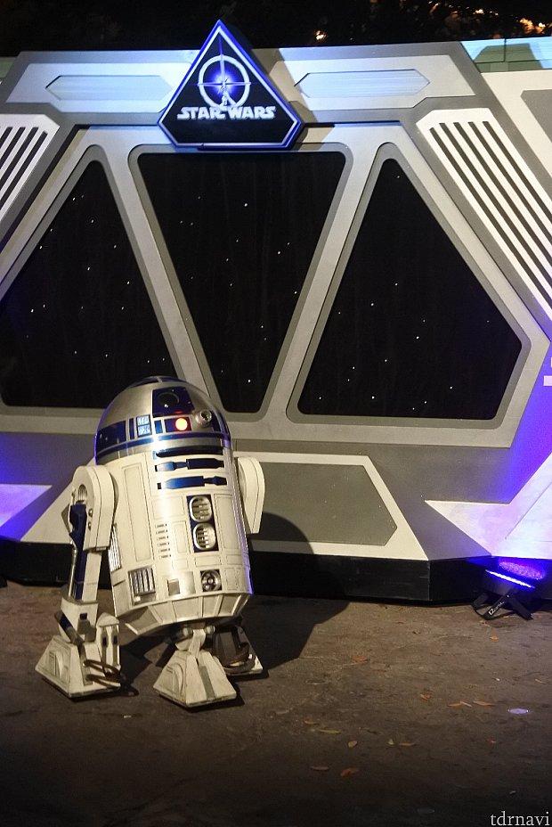 R2-D2はかなり並んでいました💦