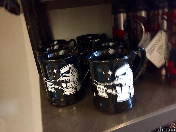 これ僕結構好きです。storm trooper のマグカップ。$15.99