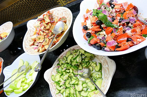 豊富なサラダ類②