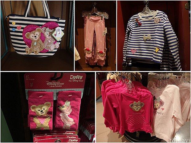 左上から、トートバッグ(189元)、子供用タイツ(159元)、ロングTシャツ(299元)、子供用靴下(55元)、子供用パーカー(299元)、トレーナー(199元)