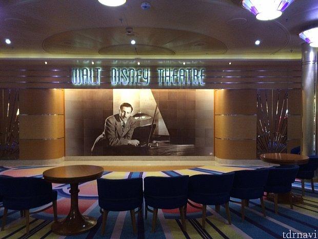 ウォルトディズニーシアターで上演されます。