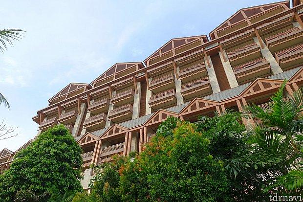 これがエクアリアス・ホテル!ロッジ風な外観がお気に入り。
