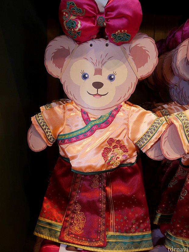 メイちゃん用の中国衣装。139元、2400円弱。