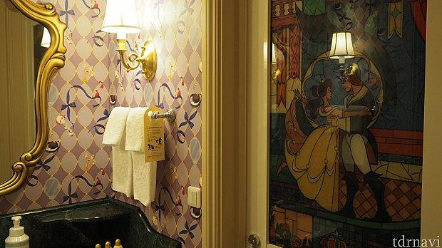お風呂の扉には、映画の最後のシーンが。