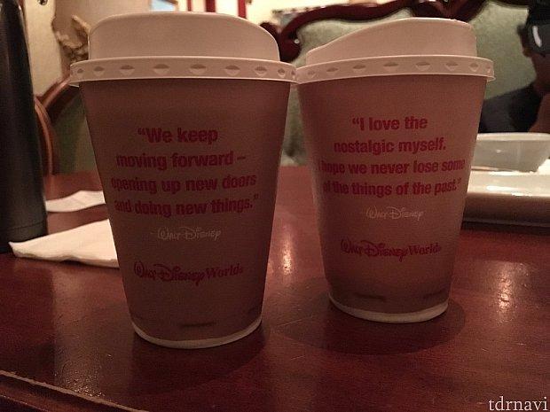 ホットドリンクのカップはウォルトの言葉が。アメリカでは本当に重要な存在なんだと分かりますね