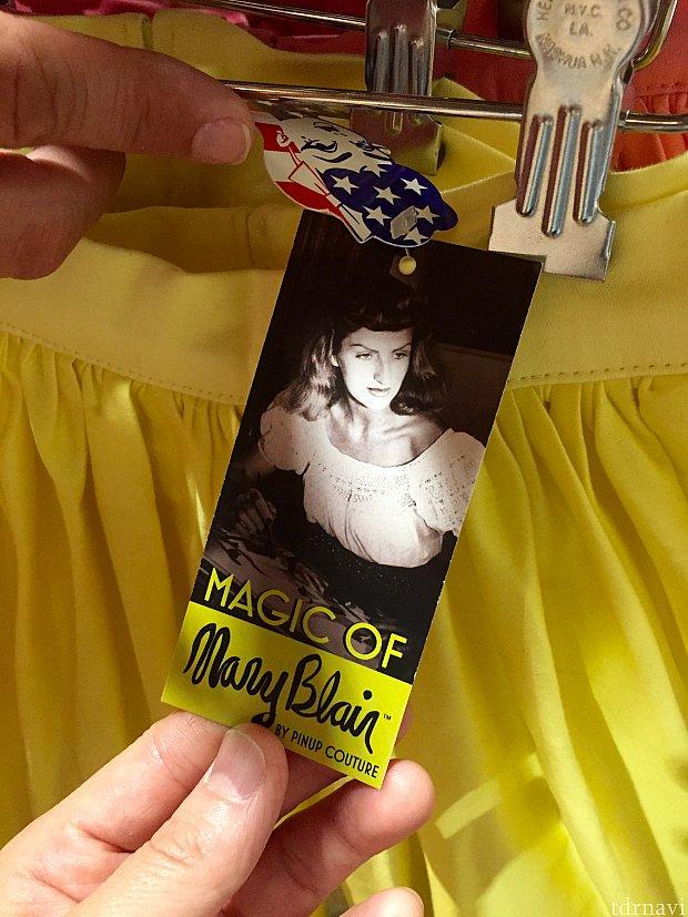 メアリーブレアさんをご存知の方いらっしゃいますか?ディズニーファンは彼女のデザインをよく知っているはずです。スモールワールドのデザイナーさんなんですね〜。ディズニーレジェンドです。彼女はもう亡くなっているので、彼女のデザインをアレンジしたドレス達なんですね。因みにお値段は$102。