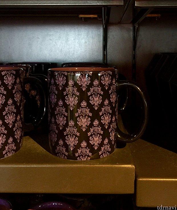 こちらのマグカップは、お馴染みのホンテの壁紙柄のグッズの一つ。$14.95