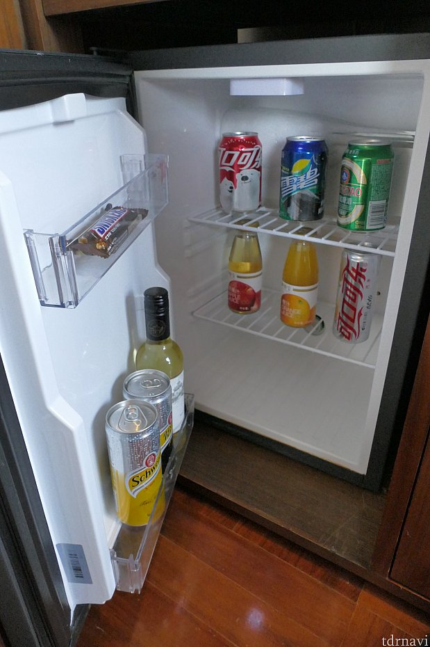 冷蔵庫の中身は有料です。