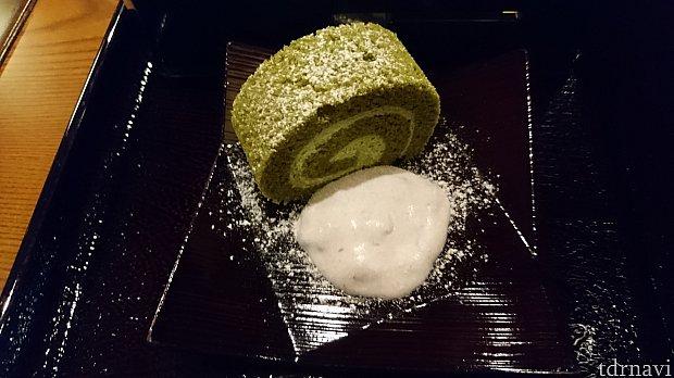 抹茶のロールケーキです。