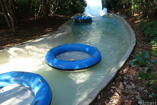 スライダー終了後の水路
