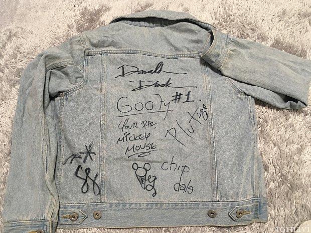 じゃーん!みんなの協力でステキなジャケットが出来上がりました!!今回ミニーちゃんに会えなかったのが心残りなので、次回はミニー&デイジーをもらえるようにしてきます!!♡
