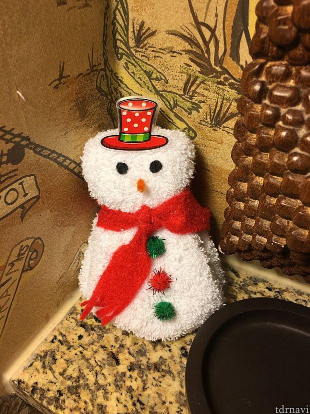 ハウスキーパーさんがタオルでかわいい雪だるまを作ってくれました♡