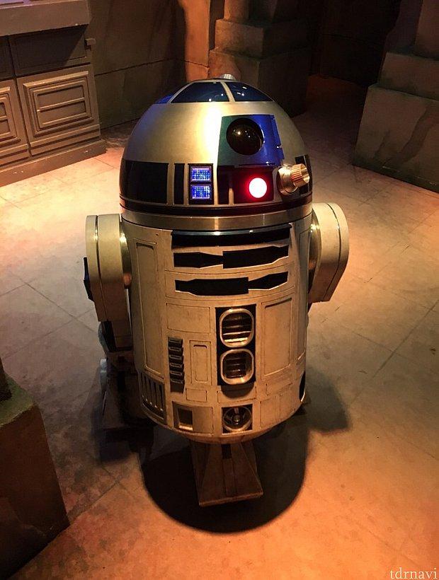 R2-D2。動き回ります!